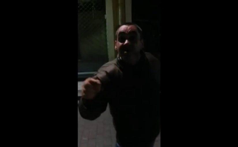 El chiste del borracho que quería fumar en una calle oscura